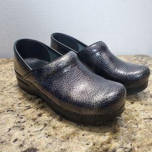 Dansko Black Silver Crackle Clogs Nurse Shoes 39